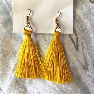 Jewelry - Yellow and gold tassel earrings